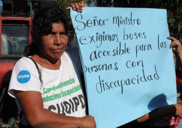 Personas con discapacidad y el acceso al transporte público en El Salvador