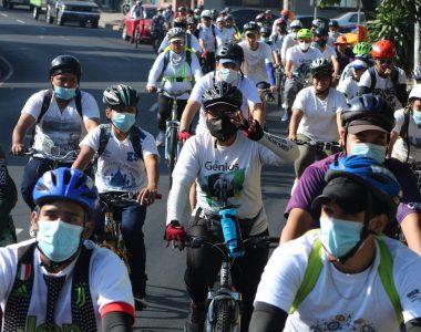 Ciclistas celebran el Día Mundial de la Bicicleta